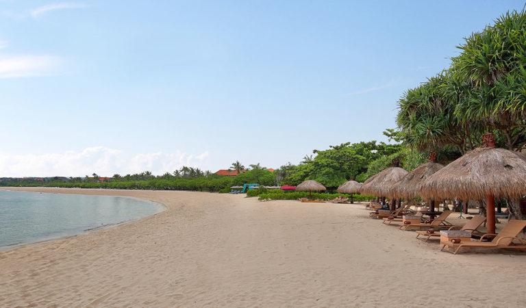 The Beach Club Bar